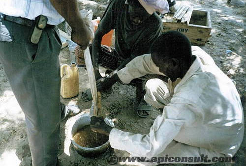 Processing beeswax in Somalia